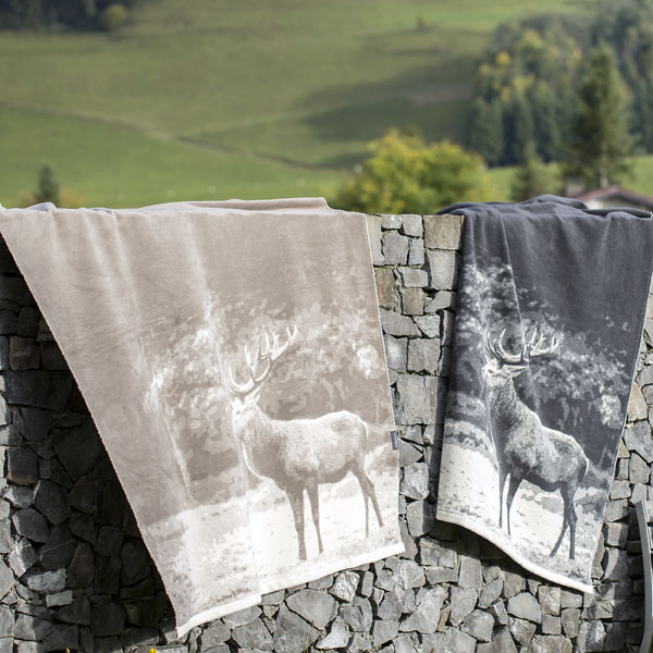 Scenic Stag Throw